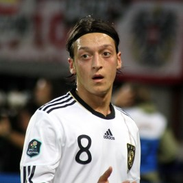 Mesut_Özil,_Germany_national_football_team_(02)